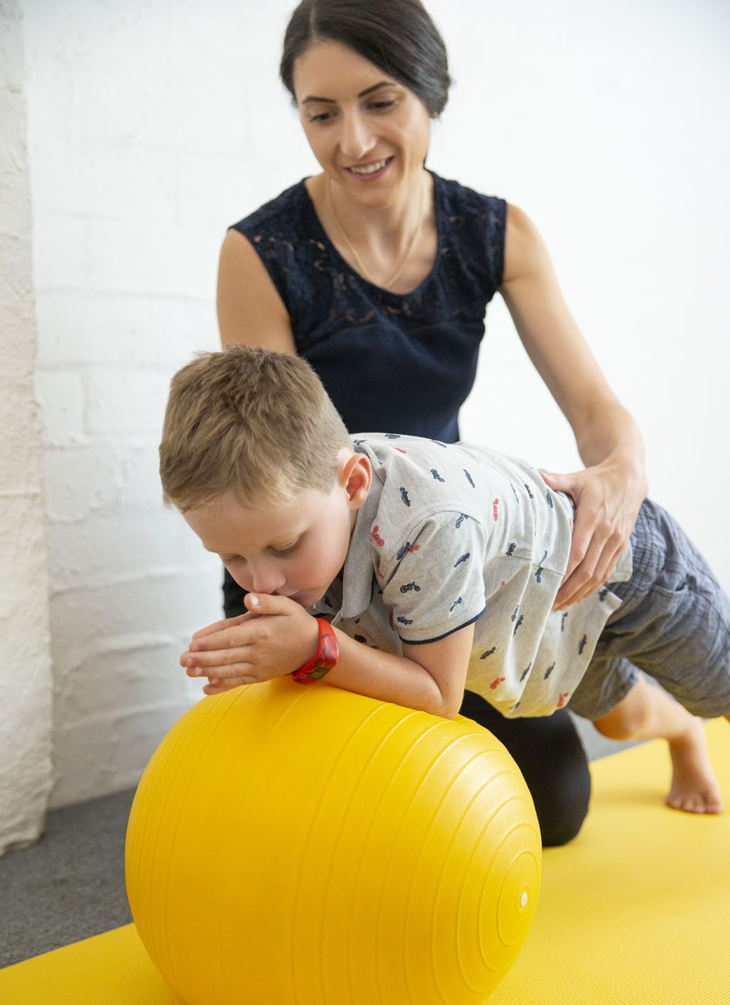kids physio child with neck pain